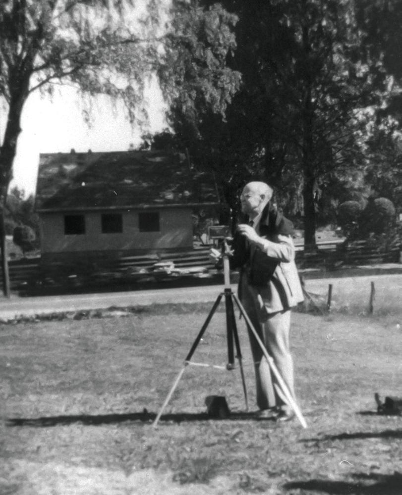 Johan Helmer Granly fotograferer