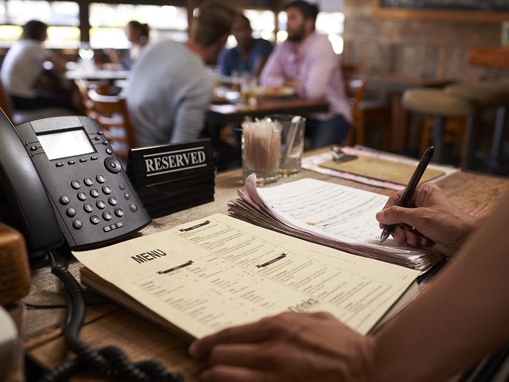 Håndtering av bordreservasjon i restaurant