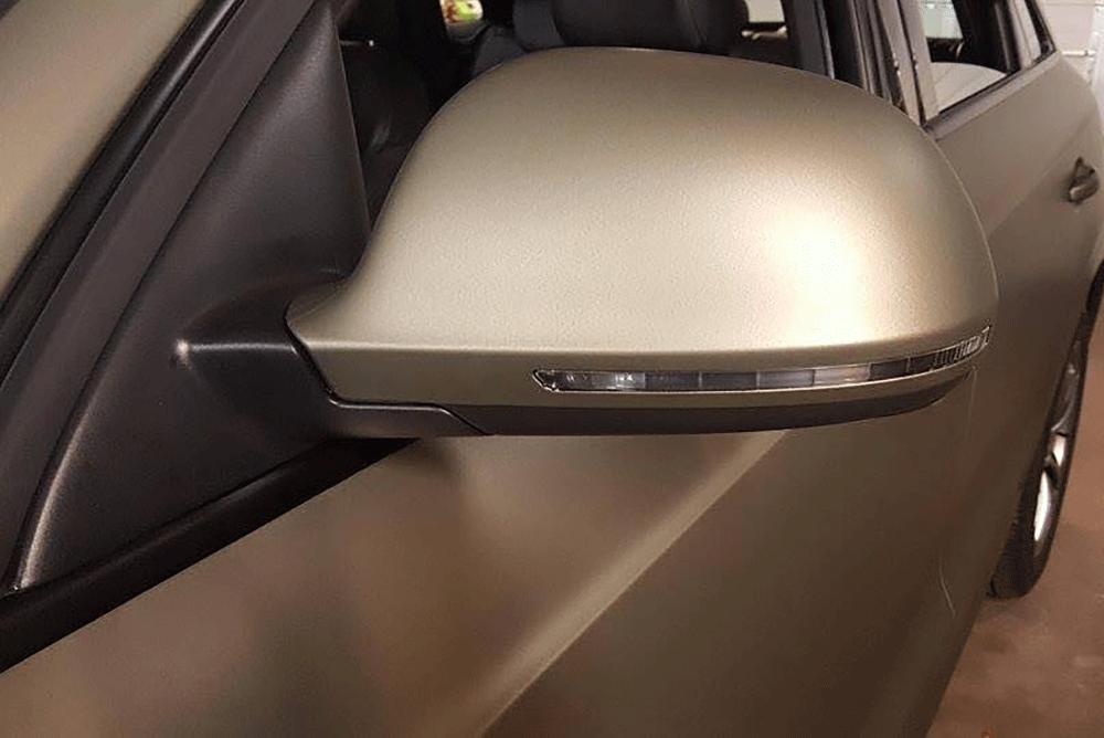 Helfoliering dekker alle lakkerte deler av bilen